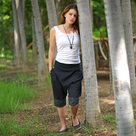 Short Harem Pants Pokhara black